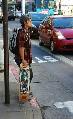 Skateboard urbanite