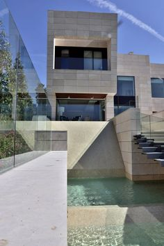 A-cero have completed the Memory house at the Los Altos del Golf course located in northern Madrid, Spain.