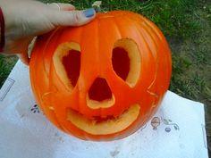 Dynia na konkurs Halloweenowy By Dziubeka. Motyw nawiązuje do zawieszki - czaszki z kolekcji Follow Your Heart.