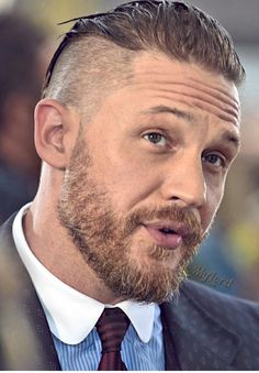 Celebrities - Tom Hardy Photos collection You can visit our site to see other photos. Tom Hardy Actor, Tom Hardy Beard, Tom Hardy Haircut, Tom Hardy Photos, Beard Styles, Hair Styles, Men's Toms, Undercut Hairstyles, Raining Men