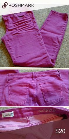 20%offBNDLS! Gap violet/pink skinny legging jeans Tts and in perfect condition. Has some stretch to it. Violet/pink color. Size 4  📫 ships in 1 day Reasonable offers &❓welcome Clean smoke free home  No trades Gap Jeans Skinny