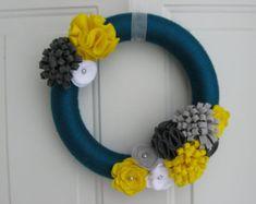 Kleurrijke bloem garens krans Perfect voor de door OddsNEndsbyAly