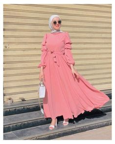 Stylish Hijab, Modest Fashion Hijab, Modern Hijab Fashion, Hijab Fashion Inspiration, Abaya Fashion, Muslim Fashion, Fashion Dresses, Hijab Evening Dress, Hijab Trends