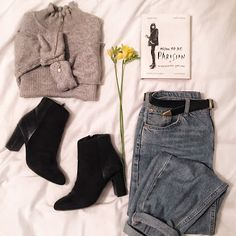 Kate Howard: T H E R I S E O F T H E M O M J E A N S #momjeans #parisian #outfit #clothes #style #trend #inspo #turtleneck #jumpers #accessorise