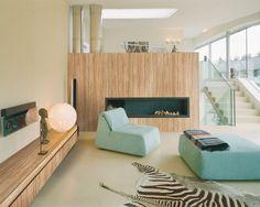 Türkis - Schwarz-Weiß und helles Holz: Modern, Elegant und Ausgefallen  (Kaindl Flooring)