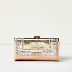 River Island Rose gold tone metallic panel clip top purse (€21) ❤ liked on Polyvore featuring bags, handbags, kiss lock handbags, river island purse, river island handbags, kiss clasp purse and handbags bags