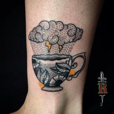 Tatuaż Noga Puchar Chmura przez Silence of Art Tattoo Studio