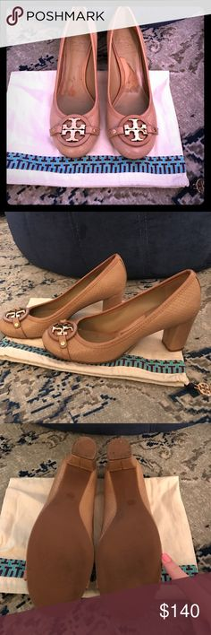 TORY BURCH HEELS!! TORY BURCH HEELS!! Round toe Nude color pumps with textured leather. Gorgeous Gold Tory signature accent on front. Size 8- overall good condition. worn in inner sole and heel. Beautiful pump. Tory Burch shoe bag included. Tory Burch Shoes Heels
