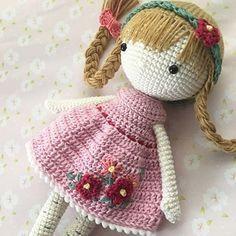 Easter Crochet, Crochet Art, Crochet Dolls, Amigurumi Doll, Amigurumi Patterns, Crochet Patterns, Cute Crafts, Diy And Crafts, Doll Maker