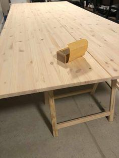 Spisebord - DIY   HVITELINJER Exterior Design, Interior And Exterior, Dining Room, Dining Table, Kitchen Tables, Kitchen Interior, Diy And Crafts, Table Decorations, House
