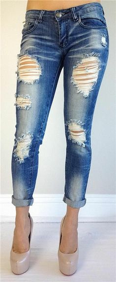 Oh my gawd! Want these jeans & heels! Leggings And Heels, Jeans With Heels, Love Jeans, Love Fashion, Fashion Outfits, Womens Fashion, Swag Style, Ripped Jeans, Skinny Jeans