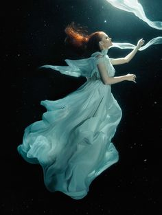 Underwater photography :  Motherland Chronicles - Ascend, 2013 - Zhang Jingna Photography