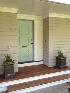 44 Ideas Palladian Blue Front Door Benjamin Moore Paint For 2019 Green Front Doors, Exterior Front Doors, Painted Front Doors, Front Door Colors, Exterior House Colors, Entry Doors, Exterior Paint, Ranch Exterior, Entryway