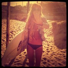 wanna learn how to surf this summer Pink Summer, Summer Of Love, Summer Girls, Summer Beach, Summer Nights, Summer Time, Come Undone, Up Girl, Beach Bum