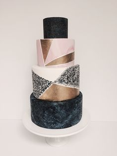 Geometric Luxe Wedding Cake Perth  http://www.creativecakesbysharon.com.au