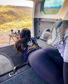 Superenge Jeans, Hunting Girls, Curvy Girl Outfits, Female Soldier, Military Women, Girl With Curves, Badass Women, Indian Beauty Saree, Sport Girl