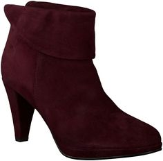 booties by Omoda