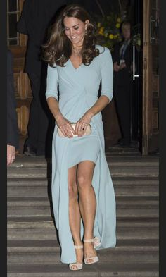 All eyes were on the Duchess of Cambridge, née Kate Middleton, as she stepped out in a pastel blue bespoke Jenny Packham full-length gown on Tuesday night.