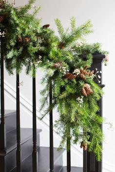 Decking My Halls with Martha Stewart - Winter Holidays, Winter Christmas, Christmas Home, Christmas Crafts, Christmas Ornaments, Christmas Greenery, Woodland Christmas, Rustic Christmas, Victorian Christmas