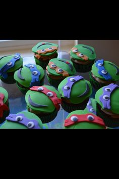 Teenage Mutant Ninja Turtle cupcakes..... Gonna make these for my girls sons Bday!!! Yaay!!