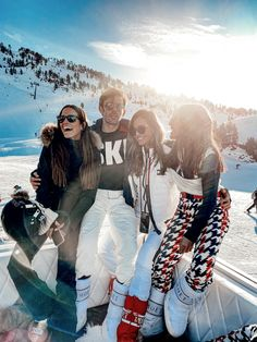 Baqueira with friends travels - Lady Addict