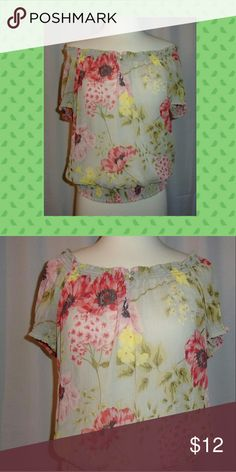 """Joe fresh off or on shoulder top size medium Bust 40"""". Length 23"""".  Polyester.  In like new condition. Joe fresh  Tops"""