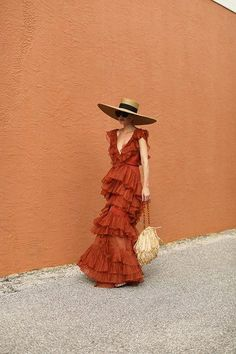 travel girl Blair Eadie wearing a Johanna Ortiz dress, Eric Javits hat, and carrying a Carolina Santo Domingo straw bag // Click through for more dress outfits and resort looks Mode Outfits, Fashion Outfits, Dress Outfits, Maxi Dresses, Casual Dresses, 80s Dress, Dance Dresses, Blair Eadie, Mode Ootd