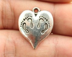 WYSIWYG 4pcs 21*17mm vintage antique silver color feet heart charms-in Charms from Jewelry on Aliexpress.com | Alibaba Group