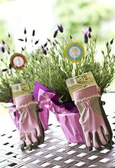 Leuk cadeau idee. Garden Girl handschoenen. Verkrijgbaar bij Woon@home