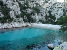 Les Calanques de #Marseille sont dans les 10 des plus belles plages du monde ! :D