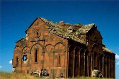 Cami ve kilise bir arada Kars'ta, farklı uygarlıkları simgeleyen eserlerin bulunduğu Ani Harabeleri
