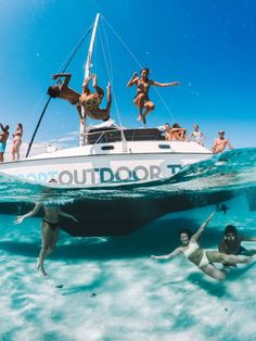 The Maddalena Archipelago has some of the most beautiful beaches in Italy. Find out everything you need to know about exploring these stunning islands on a boat day tour. Beach Aesthetic, Summer Aesthetic, Aesthetic Girl, Summer Goals, Summer Fun, Summer Things, Summer Dream, Maddalena Archipelago, Cute Friend Pictures