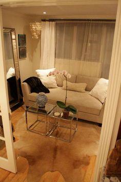 21 Amazing Small Apartment Living Room - Home Decor Small Apartment Living, Small Apartment Decorating, Apartment Interior Design, Living Spaces, Apartment Ideas, Living Rooms, Small Living, Apartment Therapy, Apartment Plans