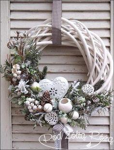 19 Most Adorable White Christmas Decoration Ideas 2017 - christmas dekoration Noel Christmas, Rustic Christmas, Winter Christmas, Christmas Ornaments, Christmas Design, Homemade Christmas, Christmas Ideas, 242, Theme Noel