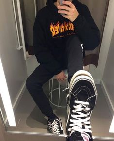 Ridiculous Ideas Can Change Your Life: Urban Wear Women Ripped Jeans classy urban fashion.Women's Urban Fashion All Black. Urban Fashion Girls, Fashion Kids, Vans Outfit, Hoodie Outfit, Urban Outfits, Cool Outfits, Urban Dresses, Thrasher Outfit, Mens Clothing Styles