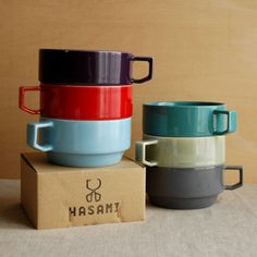 Hasami cups as an example of their modular - not a fan of their main line, but I do enjoy stackable mugs. Toy Kitchen, Kitchen Items, Kitchenware, Tableware, House Gifts, Novelty Items, Pottery Designs, Japanese Pottery, Ceramic Bowls