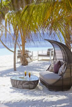 A Haven of Tranquility in Maldives Kandolhu Island Vacation Places, Dream Vacations, Vacation Spots, Beautiful Places To Travel, Beautiful Beaches, Amazing Places, Paradis Tropical, Tropical Beaches, Beach Bars