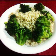 Despues de entrenar, arroz y brocoli
