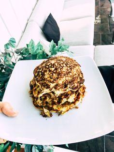 glutenfri lavkarbo lapper, enkle lapper, frokost, lunsj oppskrift Salmon Burgers, Pancakes, Breakfast, Ethnic Recipes, Food, Morning Coffee, Essen, Pancake, Meals