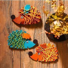 Here is our pick of easy fall crafts for kids! With these amazing ideas, you can create seasonal fall crafts for toddlers with them! Easy Fall Crafts, Fall Crafts For Kids, Diy For Kids, Kids Crafts, Diy And Crafts, Craft Projects, Arts And Crafts, Fall Diy, Autumn Activities