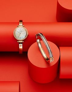 019 3 Still Life Product Photographer Pedersen watch cuff bangle time clock fashion ping gold sparkle