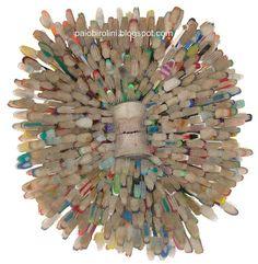 Assemblage. Usando escovas de dente e molde dentário. / Using toothbrushes and dental mold