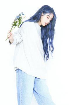 """IU """"Love Poem"""" Tour Konzert Fotokarten - iu as minnie - Kpop Hair Color, Hair Color Blue, New Hair Colors, Purple Hair, Bright Blue Hair, Korean Girl, Asian Girl, Iu Hair, Iu Fashion"""