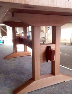 Creative Tips Can Change Your Life: Wood Working Hacks Life woodworking shop joinery.Woodworking Tricks Step By Step wood working organization house. Trestle Dining Tables, Wooden Tables, Dining Room Table, Trestle Table Plans, Woodworking Furniture, Diy Woodworking, Wood Furniture, Woodworking Videos, Furniture Design