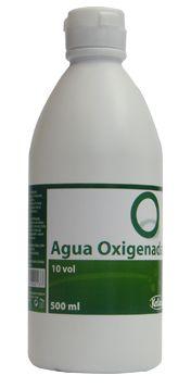 Lo que conocemos como agua oxigenada es una mezcla de agua y peróxido de hidrógeno al 3%. El agua oxigenada se mide por volúmenes, y la de...