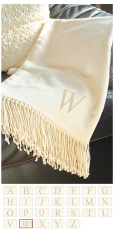 Monogrammed throw blanket: Cute xmas gift ideas!