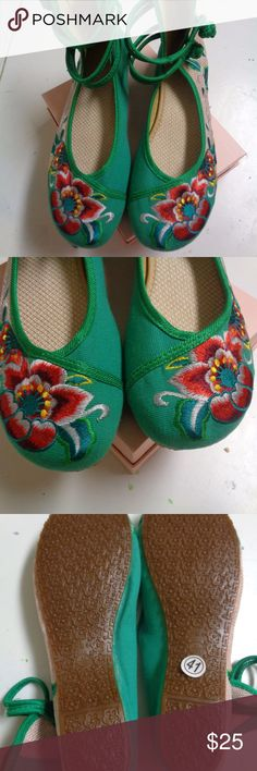 NEW! Ankle Strap Slippers  Sz 6.5 Approximately 9.5 inches long o the bottom. Size 41 Chinese which is a 6.5 US.  Fro a smoke free home.  Check my other listings. I love to give discounts for bundles! Shoes