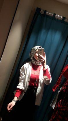 Hijabi Girl, Girl Hijab, Girls Foto, Pics For Dp, Hijab Fashionista, Arab Girls, Fake Photo, Henna, Ulzzang Couple