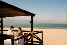 Breathtaking ocean and city views, gentle breezes and a tropical ambiance perfect for a romantic moment.
