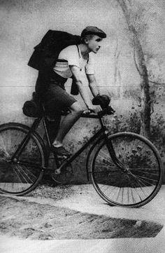 Aaro Hellaakoski keväällä 1913.